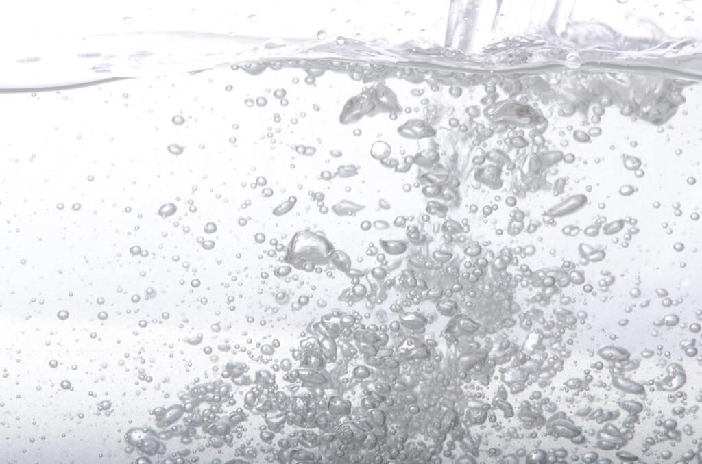 """""""水の科学""""から視る!化粧品で保湿ができる訳とは?(前編)"""